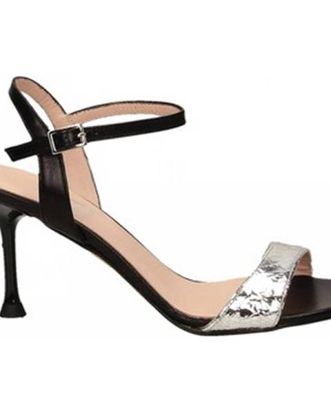Čierne sandále Mivida
