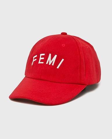 Červená čiapka Femi Stories