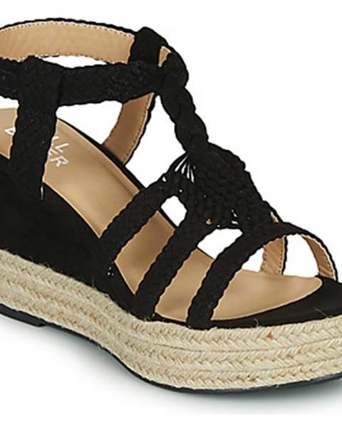 Čierne sandále Bullboxer